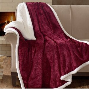 Madison Park Oversized Plush Sherpa Blanket Throw
